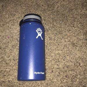 Blue Hydroflask 32 oz